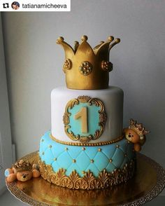 1 Year Old Birthday Cake, 1st Year Cake, Boys 1st Birthday Cake, Prince Birthday Party, Cute Birthday Cakes, Torta Angel, Pastel Mickey, Prince Cake, Royal Cakes