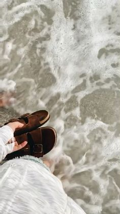 How to Take Good Beach Photos Summer Pictures, Beach Pictures, Cute Pictures, Summer Feeling, Summer Vibes, Vsco Video, Vsco Beach, Beach Video, Summer Goals