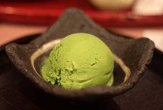 When it comes to matcha, not everything is about the traditional tea from Kyoto. You can also add this piece of Kyoto to delicious ice creams preparations!