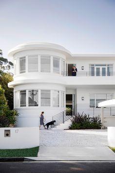 Exterior shot of a renovated, white Art Deco style home on Sydney& lower No. Exterior shot of a renovated, white Art Deco style home on Sydney& lower North Shore. Casa Art Deco, Art Deco Decor, Art Deco Art, Decoration, Art Art, Motif Art Deco, Art Deco Design, Art Nouveau, Streamline Moderne