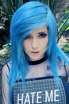 Are you searching for emo hair styles that can convey your sensitive and emotional self? Would you like to learn more about emo hairstyles? Check out our photo gallery to see the brightest and coolest emo looks - Baby Hair Style Style Emo, Style Hair, Pelo Emo, Long Hair Cuts, Long Hair Styles, Natural Hair Babies, Pretty Hairstyles, Emo Hairstyles, Hairstyle Men