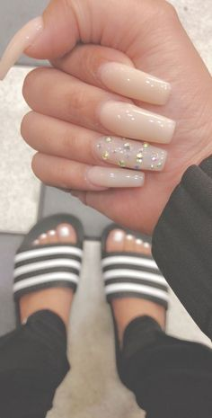 The advantage of the gel is that it allows you to enjoy your French manicure for a long time. There are four different ways to make a French manicure on gel nails. Aycrlic Nails, Nails 2018, Dope Nails, Nails On Fleek, Fun Nails, Hair And Nails, Coffin Nails, Do It Yourself Nails, How To Do Nails