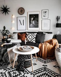 31 Charming Bohemian Living Room Decor Ideas ⋆ All About Home Decor Boho Living Room, Living Spaces, Cozy Living, Living Room Decor Hacks, Living Room Decor Frames, Apartment Living Rooms, Living Room Themes, Apartment Walls, Apartment Layout