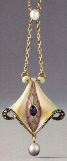 A Jugendstil / Art Nouveau pendant, German, 1903-1910.