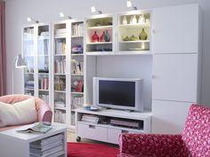Album - 1 - Photos catalogues IKEA Banc TV, Besta, Billy, Hemnes, Liatorp... Hemnes, Ikea Showroom, Billy Oxberg, Leaning Desk, Catalogue Ikea, Style Salon, Living Room Styles, Ikea Living Room, Small Apartments