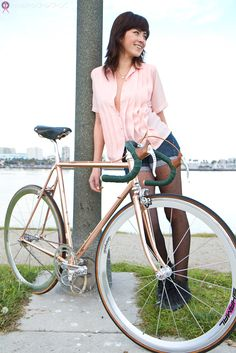 Copper/Rose Gold Fixie...so cute! So expensive :(