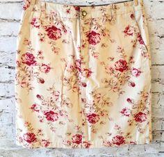 IZOD Casual Floral Skirt Size 4P Petite 100% Cotton Beige Roses Back Pockets EUC…