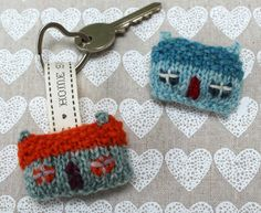 Knit keychain pattern, these look soooo cute.