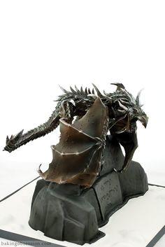 Alduin the World Eater (Skyrim cake). AMAZING detailing on the dragon! Skyrim Food, Cake Eater, Skyrim Dragon, Cake Works, Dragon Cakes, Themed Birthday Cakes, 50th Birthday, Just Cakes, Bad Cakes