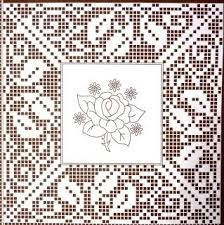 Risultati immagini per esquemas para quadrados toalhas de renda Crochet Patterns Filet, Crochet Doily Diagram, Crochet Borders, Loom Patterns, Crochet Motif, Crochet Designs, Crochet Lace, Crochet Roses, Crochet Dollies