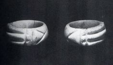 In 1860 the French Egyptologist Marqués D'Agrain found this unnatural ring. But Egyptian culture has no resemblance to the ring. But later it was known that the ring can create powerful energy because of its unique geometrical shape.