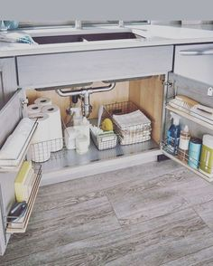 Konmari Kitchen Sink Organization Best Picture For tidy up house For Your Taste You are looking for something, and it is going to tell you exactly what you are looking … Kitchen Organization Pantry, Home Organisation, Kitchen Storage, Storage Organization, Under Sink Organization Bathroom, Bathroom Drawers, Storage Hacks, Sink Organizer, Diy Kitchen