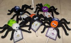 Halloween Tootsie pop spiders