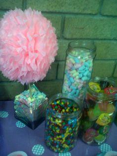 y si recibimos a tus invitados con una hermosa mesa de dulces?