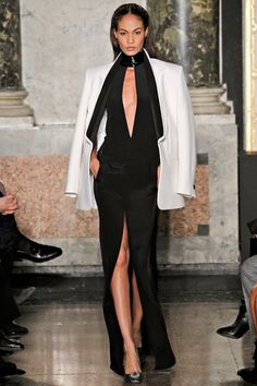 See the complete Emilio Pucci Fall 2012 Ready-to-Wear collection.