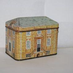Vintage National Trust Tin Novelty Ian Logan Tin   Etsy Box Houses, National Trust, Tin, Decorative Boxes, Building, Vintage, Home Decor, Tin Cans, Decoration Home