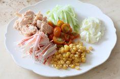 깻잎쌈 샐러드 한쌈씩 들고 먹어요.텃밭요리 : 네이버 블로그 Cobb Salad, Baking, Vegetables, Recipes, Food, Kitchens, Food Food, Cooking, Bakken