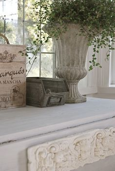 Chic Shabby and French Modern French Country, French Country Cottage, Cottage Style, French Style, French Decor, French Country Decorating, European Style Homes, Garden Urns, Gris Rose