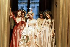 Rose Byrne, Kirsten Dunst and Mary Nighy in Marie Antoinette directed by Sofia Coppola, 2006 Costume Marie Antoinette, Marie Antoinette Movie, Kirsten Dunst Marie Antoinette, Ballet Russe, Rose Byrne, Mary Stuart, Lady In Waiting, 18th Century Fashion, 19th Century