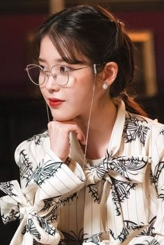 Hotel Del Luna Style Hotel Del Luna Clothing Hotel Del Luna Fashion Hotel Del Luna Outfit IU Style IU Clothing IU Fashion IU Outfit #FashionChingu #HotelDelLuna #IU #HotelDelLunaFashion #IUFashion Luna Fashion, Fashion In, Korean Beauty, Asian Beauty, Korean Girl, Asian Girl, Iu Twitter, Iu Hair, Butterfly Print Dress
