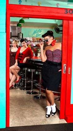 City Chic Pin Up : Plus Size : Fashion : Model : Curvaceous