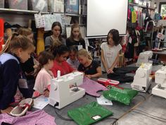 #learning from each other in #agemixed groups ... The things to look out for with #lining #sewing #dressmaking #kids