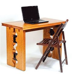AW Extra 8/29/13 - Sawtooth Desk - Woodworking Projects - American Woodworker