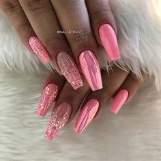43 Beautiful Nail Art Designs for Coffin Nails Pink Chrome and Glitter Coffin Nails Related posts:# uñas # uñaslindas # # grey and white manicure with. Best Acrylic Nails, Summer Acrylic Nails, Acrylic Nail Designs, Nail Art Designs, Chrome Nails Designs, Nail Designs Bling, Pink Summer Nails, Pink Acrylics, Fancy Nails