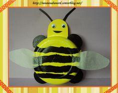 Lison 4 ans a réalisé une belle petite abeille.