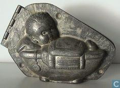 Mallen en matrijzen - Chocoladevormen - Baby in wieg