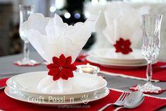 Una bella stella di Natale a uncinetto, rossa e piena e soprattutto che non si secca mai   Spiegazioni in italiano e con anche le indicazioni precise della lana occorrente. Lo trovate qui su www.ga