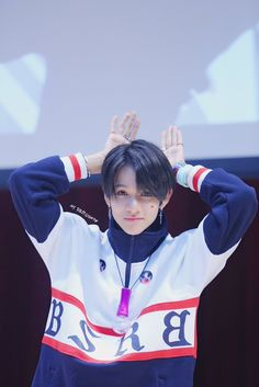 171126 Mokdong Beat Road Fansign © 첫눈의 너 Seventeen Samuel, Secret Admirer, Hip Hop, King Of My Heart, Produce 101 Season 2, Reality Tv Shows, Papi, Lil Baby, Going Crazy