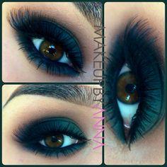 Dark green smokey eyes