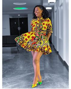 Chic Ankara dress styles can be worn to different occasion and you won't feel out of place. In fact chic Ankara dress styles coordinated with complementing accessories have a way of enhancing your overall look. African Fashion Ankara, Latest African Fashion Dresses, African Dresses For Women, African Print Fashion, Africa Fashion, African Attire, African Style, Modern African Fashion, Nigerian Fashion