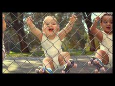 ▶ EVIAN Pub bebe - YouTube