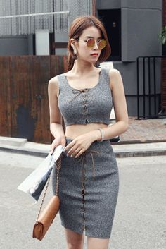 Today's Hot Pick :Ribbed Corset Accent Two-Piece Set http://fashionstylep.com/SFSELFAA0022859/insang1en/out To feel breathlessly charming and sweet in this summer heat is achievable by opting to wear this knitted set. Wear this with a pair of bright wedge sandals and a straw floppy hat for a summer look. TOP: - Scoop neck - Sleeveless - Front lace-up closure - Slim fit with stretch - Ribbed knit fabric - Cropped Available color(s): Blue, Gray SKIRT: - High-rise with elasticized waistband…