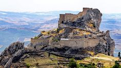 <p><strong>Castello di Chiaramonte, Mussomeli, Sicily - Top 10 best medieval castles to visit in Southern Italy</strong></p>