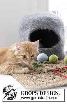 The Cat Cave / DROPS Extra 0-1381 - Tovet hus og baller til katt, strikket i DROPS Eskimo.