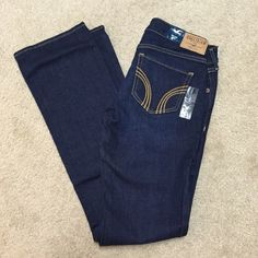 *SOLD* Hollister Boot Cut Jeans New NWT 3S 3 S Hollister Boot Cut Jeans New NWT 3S Dark Wash 26x 31 never worn. Actual tag is gone but size sticker, tag and hollister boot tag on jeans still. See photos! Great buy! These jeans are $49.50 at the store !!! Hollister Jeans Boot Cut