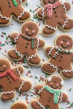 16 Christmas Sugar Cookie Recipes to WOW Guests Through the Holidays Christmas Gingerbread Men Sugar Cookies holiday baking recipe. Christmas Gingerbread Men, Gingerbread Man Cookies, Christmas Sweets, Christmas Holidays, Gingerbread Man Decorations, Reindeer Cookies, Tree Cookies, Decorating Gingerbread Men, Christmas Tree