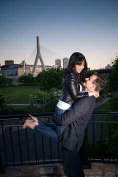 Boston Engagement Photography - PHOTO SOURCE • SARA SMILE PHOTOGRAPHY | Featured on WedLoft