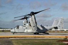 離陸の準備をする垂直離着陸輸送機MV22オスプレイ=米ノースカロライナ州のニューリバー航空基地で、古本陽荘撮影