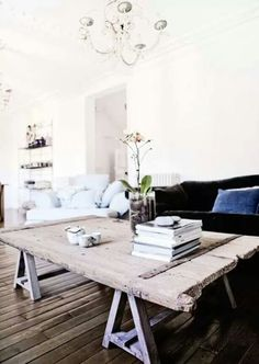 Table basse rustique pour le salon