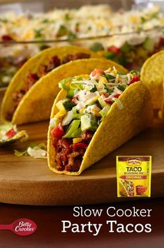 When you're doing a taco bar, serving meats and beans out of a slow cooker ensures that everything stays nice and warm! This batch of taco-seasoned ground beef serves so you don't have to worry about running out. Slow Cooker Tacos, Slow Cooker Recipes, Crockpot Recipes, Cooking Recipes, Four Bean Salad, Layered Taco Dip, Roasted Corn, Glass Baking Dish, How To Cook Pasta