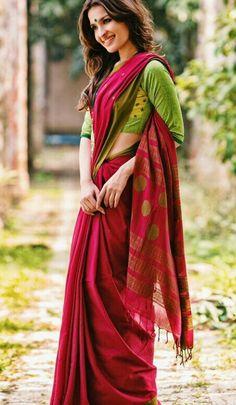 combinations Modern Indian Saris CLICK Visit link to read Formal Saree, Casual Saree, Indian Outfits, Indian Dresses, Modern Saree, Simple Sarees, Stylish Sarees, Saree Look, Elegant Saree