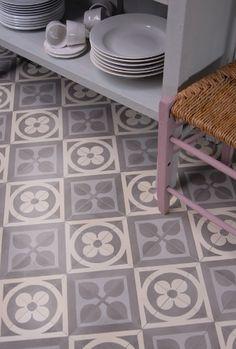 Zementfliese Serie AZUL Ornament June ~ Einbaubeispiel ~ Image Title ~ Example o… - Painted Floor Tile Tile Inspiration, Traditional Ornaments, Tiles, Tile Floor, House Flooring, Cement Tile, Flooring, Kitchen Tiles, Tiled Hallway