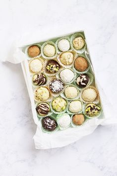 marzipan, white chocolate, and a little saffron makes for the perfect truffle bite Yummy Treats, Delicious Desserts, Sweet Treats, Dessert Recipes, White Chocolate Truffles, Melting White Chocolate, Chocolates, Oh Fudge, Almond Paste