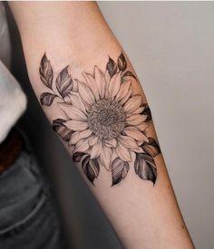 Flower tattoo designs neck 62 ideas for 2019 Sunflower Tattoo Sleeve, Sunflower Tattoos, Sunflower Tattoo Design, Flower Tattoo Designs, Sunflower Tattoo Shoulder, Girl Neck Tattoos, Foot Tattoos, Body Art Tattoos, Sleeve Tattoos