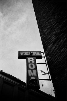 Vespa Roma - PIamonte - #madrid shopfronts