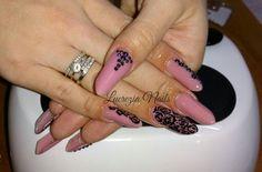 #almondgothic #mandorlagotica #nail #nails #nailart #strangenail #originalnails #lucrezianails #ricostruzioneunghie #gel